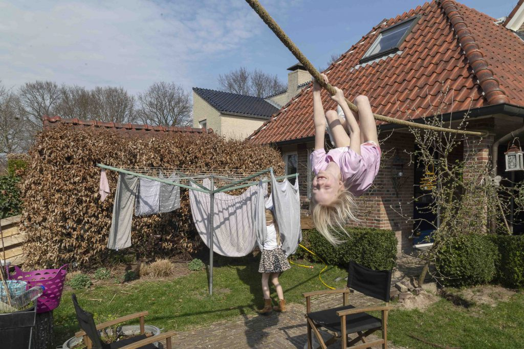 Photo series Laundry Lines by Loes Heerink. A laundry line in the Netherlands.